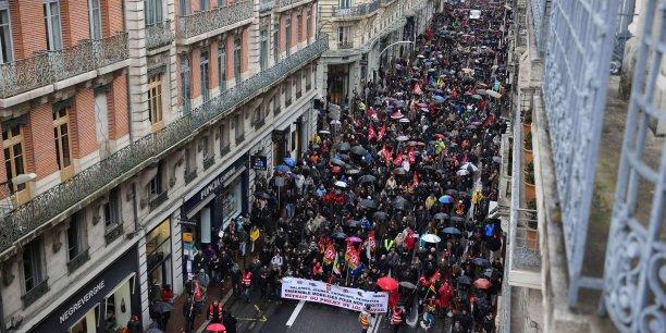 Entre 10 000 et 20 000 personnes ont manifesté à Toulouse pour exiger le retrait du projet de loi porté par la ministre du Travail Myriam El Khomri