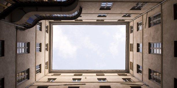 Un immeuble des HCL, au 17 place Bellecour à Lyon.