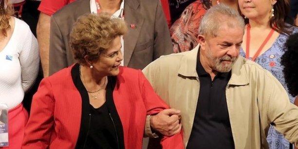 Dilma Rousseff a cependant expliqué que Lula rejoignait le gouvernement pour partager son expérience politique, notamment en matière de lutte contre l'inflation et de stabilité budgétaire.