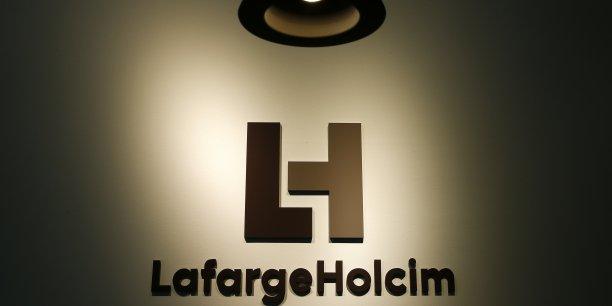 En 2015, les ventes du groupe ont progressé de 0,1% à 24,9 milliards de francs suisses.