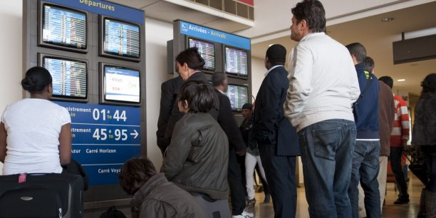 Dimanche, seulement 50% du trafic a été assuré à l'aéroport d'Orly, d'où partent essentiellement des vols nationaux et européens.