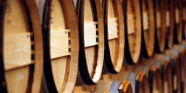A l'export (42% des volumes), les vins de Bordeaux enregistrent également une légère baisse en volume, à 2,03 Mhl, soit 271 millions de bouteilles (-3%), pour un chiffre d'affaire en hausse de +3% à 1,83 milliard d'euros.