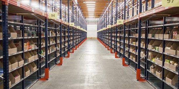 Pionnier de la livraison à domicile développée par l'enseigne dès 1990, Monoprix réalise aujourd'hui plus de 3 millions de livraisons par an, dans plus de 150 villes en France.