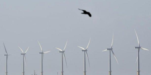 Pour 282 millions de dollars canadiens (191 millions d'euros), le canadien Enbridge Inc. prend 50% d'Eolien Maritime France, la société qui contrôle trois parcs éoliens en France.