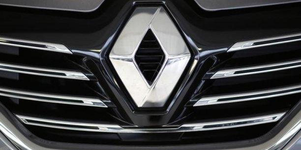 En janvier, des tests menés en France sur les émissions polluantes en conditions réelles avaient montré des dépassements de normes d'oxydes d'azote (NOx) et de CO2 chez plusieurs constructeurs dont Renault.