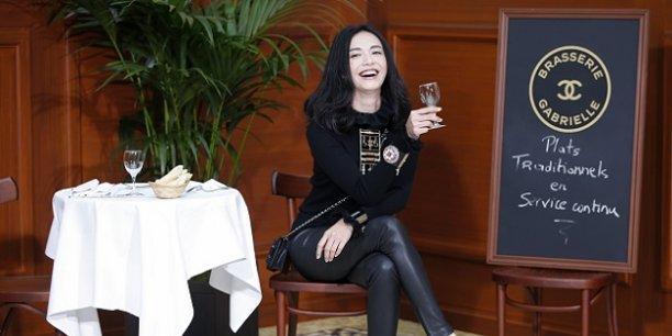 L'actrice Yao Chen en mars 2015 lors d'une séance photo organisée avant un défilé Karl Lagerfeld.