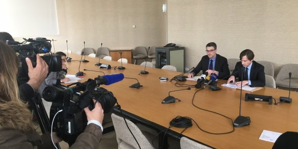 Beaucoup de médias pour assister à la conférence de presse d'Olivier Chartier et Florent Boudié au sujet de l'audit d'EY qui confirme l'état de faillite de la région Poitou-Charentes au 31 décembre 2015.