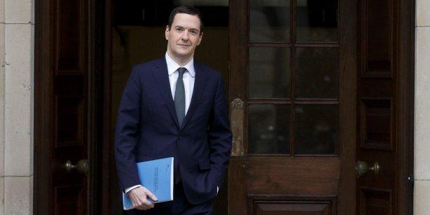 George Osborne a déclaré 198.738 livres (247.900 euros) de revenus pour l'année fiscale 2014/2015 et payé 72.210 livres (environ 90.000 euros) d'impôts.