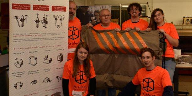 L'équipe du Toulouse Clean Up accompagnés de membres du Fablab de Toulouse.