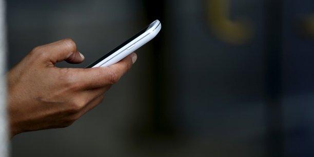 Pour le sociologue Antonio Casilli, les smartphones « changent la manière d'être dans la foule ».