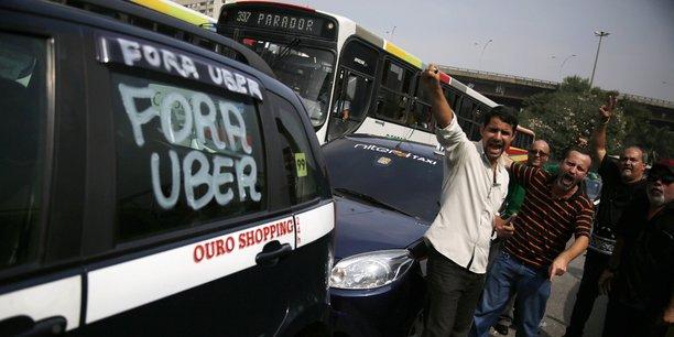 Dans la foulée de l'arrivée d'Uber, cinq organisations de chauffeurs des quelque 38.000 taxis de Buenos Aires, une agglomération de 13 millions d'habitants, avaient déposé un recours en justice.