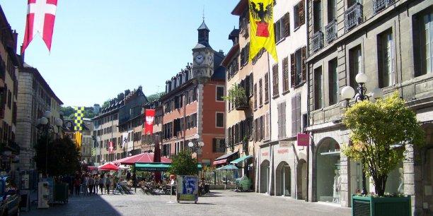 La place Saint-Léger avait été réhabilitée dans les années 1970, avec un soutien important aux propriétaires immobiliers.