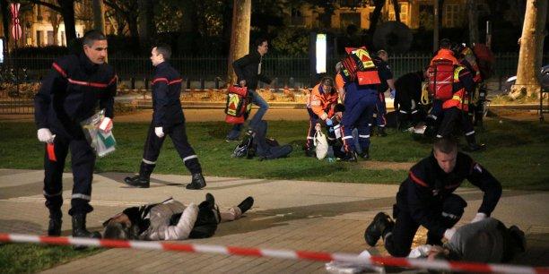 Simulation d'une explosion dans l'enceinte de la Fan Zone sur les allées Jules-Guesde