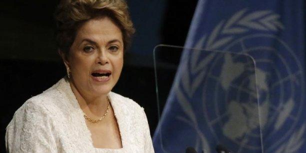 L'opposition accuse Dilma Rousseff d'avoir maquillé les comptes publics en 2014, année de sa réélection, et en 2015 pour masquer l'ampleur de la crise économique.