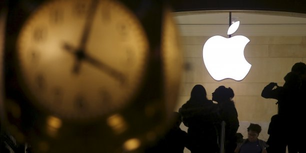 La situation ne semble pas partie pour s'arranger sur le trimestre en cours, pour lequel la marque à la pomme dit viser 41 à 43 milliards de dollars de chiffre d'affaires, bien moins que les 47 milliards anticipés jusqu'ici par les analystes.
