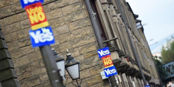 Le camp du maintien dans l'UE a récemment regagné des points dans les sondages, mais les enquêtes sont encore contradictoires et les scores demeurent serrés.