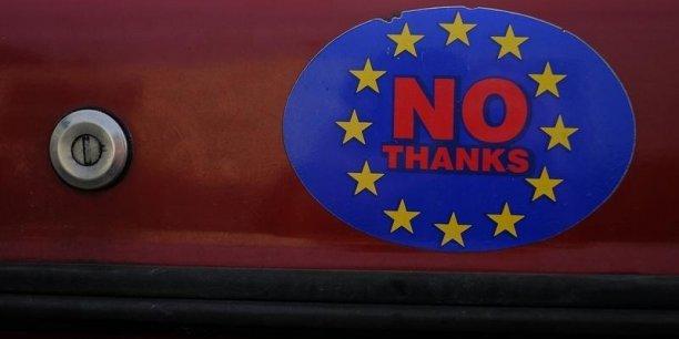 Les Britanniques doivent se prononcer par référendum le 23 juin sur leur maintien ou non au sein de l'Union européenne, et les sondages montrent que l'opinion est encore indécise.