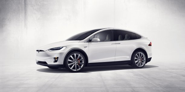apr s le model s tesla baisse le prix de son model x. Black Bedroom Furniture Sets. Home Design Ideas