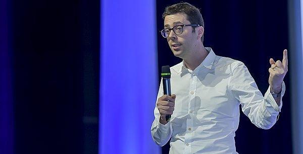 Nicolas Bouzou au Palais des congrès de Bordeaux hier lundi