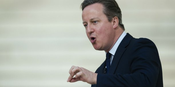 La légitimité de David Cameron sur ce dossier a néanmoins été mise en cause par le scandale des Panama Papers, le Premier ministre britannique ayant dû admettre qu'il avait détenu des parts dans la société offshore de son père décédé en 2010.