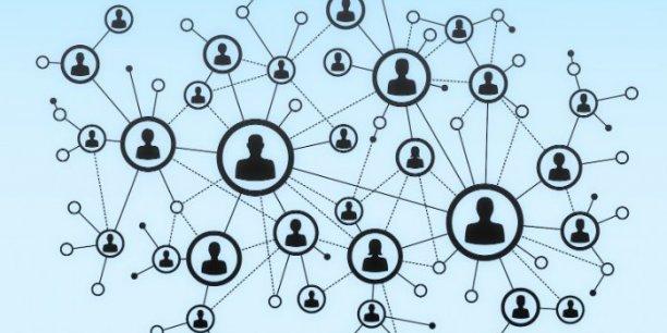La technologie novatrice Blockchain, qui est le sous-jacent de la monnaie virtuelle Bitcoin, pourrait rendre plus sûr et plus transparent le processus de vente et d'achat d'actions, qui compte de multiples étapes et intermédiaires, sans registre de données commun.