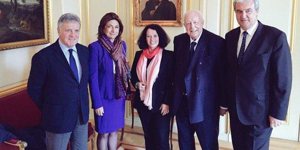 Martine Vassal, présidente du Conseil départemental des Bouches-du-Rhône et Jean-Claude Gaudin, le sénateur-maire de Marseille font cause commune à Londres. Ici avec Sylvie Bermann, ambassadeur de France.