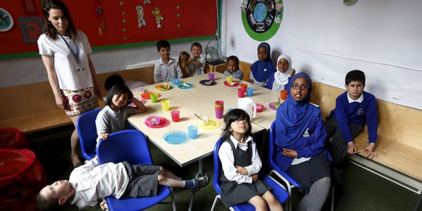Le rapport indique que les gouvernements doivent se tourner vers l'avenir et s'assurer que les enfants ne sont pas laissés pour compte à l'école.