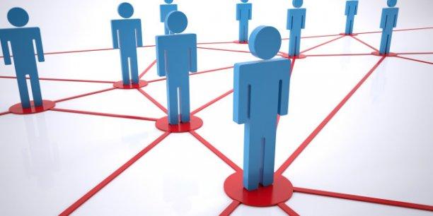 Les garde-fous posés aux usages du big data sont encore bien minces, mais la question se pose de savoir si la Civic Tech dans son ensemble doit céder à ce mirage - de la démocratie en réseaux - et réduire l'innovation à un processus d'accumulation.