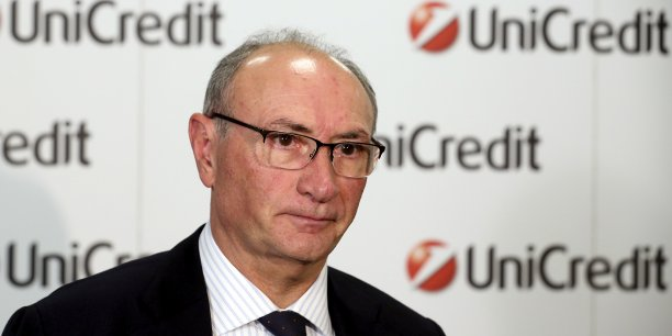 Federico Ghizzoni a accepté de rester jusqu'à ce qu'un successeur lui ait été trouvé et de lui apporter son soutien pendant la période de transition.