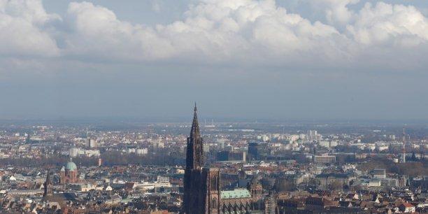 La région Grand Est, dont la capitale est Strasbourg, fait partie des rares régions à avoir affiché une hausse de son excédent commercial en 2015.