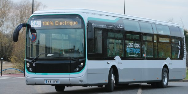 La RATP a collaboré avec Blue Solutions, filiale du groupe Bolloré pour que 23 Bluebus 12 mètres, le bus 100% électrique et Made in France du groupe Bolloré, intègrent sa flotte.