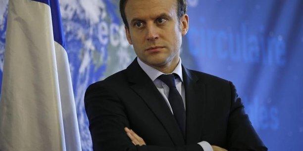 Emmanuel Macron a indiqué que l'accent serait porté dans les prochains mois sur le secteur public, en ce qui concerne le durcissement des sanctions contre les mauvais payeurs.