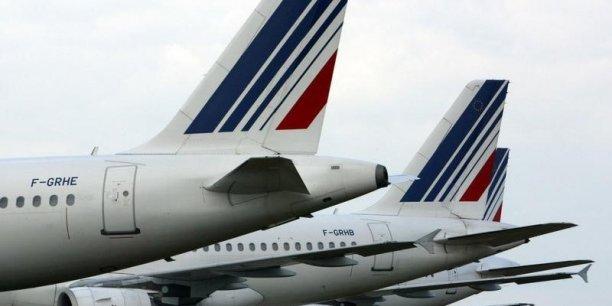 La direction fait état d'une nette détérioration de sa recette unitaire au deuxième trimestre en raison du contexte en Europe depuis l'attentat contre l'aéroport de Bruxelles fin mars et des surcapacités du marché.