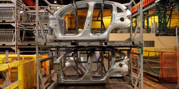 La France est passée du 4eme rang mondial au septième en matières d'exportations d'équipements automobiles, au dixième rang sur les exportations de voitures.