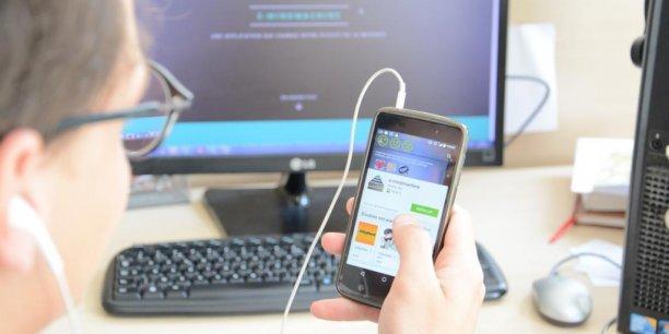 La transformation numérique des entreprises : une expérience génératrice de stress autant que de bien-être selon le premier Baromètre Digital Workplace