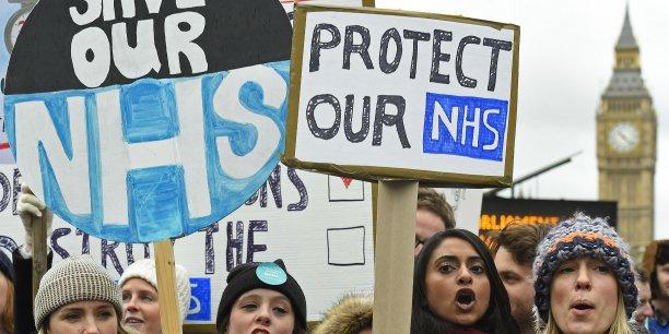 En 2014, les produits pharmaceutiques représentaient 12,2% des dépenses santé du Royaume-Uni.
