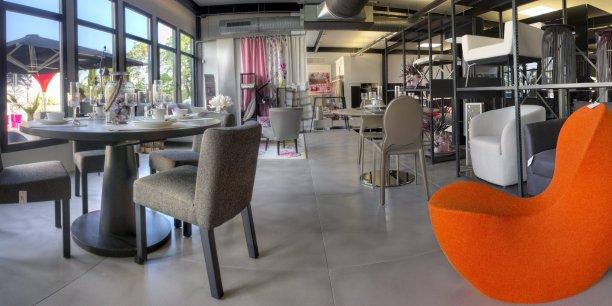 d coration show room deco s 39 exporte paris. Black Bedroom Furniture Sets. Home Design Ideas