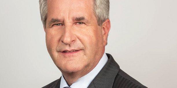 Le nouveau président de l'Association des régions de France, Philippe Richert (parti Les Républicains) a obtenu de l'Etat de nouveaux engagements financiers qui vont accroître les ressources des régions.