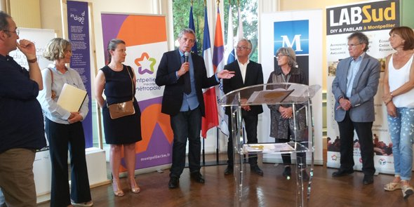 Philippe Saurel, président de M3M, entouré des animatteurs du programme programme #PasSansDesign