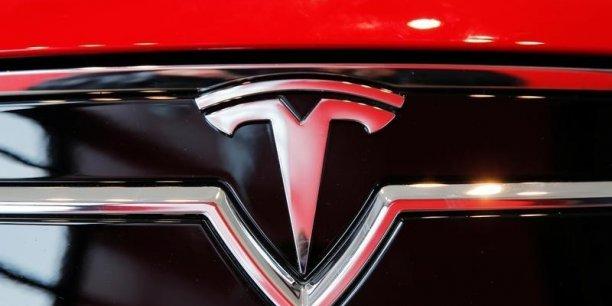 Tesla estime ne pas avoir sous-estimé la mise au point de son système de conduite autonome.