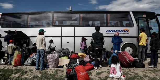 Selon le Traité de Lisbonne, l'UE doit se donner les moyens de ses objectifs, et le cadre pluriannuel peut être revu en fonctions d'événements conjoncturels inattendus. Or, ils sont nombreux, comme l'accueil des réfugiés (ici en Grèce, à la frontière avec la Macédoine).