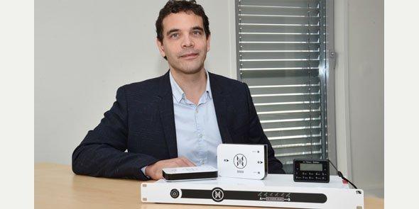 Seclab, dirigée par X. Facélina, conçoit une gamme d'appareils destinés à protéger les sites sensibles contre les cyberattaques