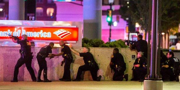 Micah Xavier Johnson, un réserviste noir de l'armée américaine, a été présenté par les autorités comme celui qui a fait cinq morts et sept blessés dans les rangs de la police, et tué deux civils, jeudi soir à Dallas.
