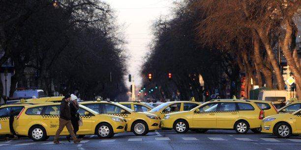 En janvier 2016, les taxis hongrois avaient protesté contre Uber en bloquant l'une des avenues de la capitale.