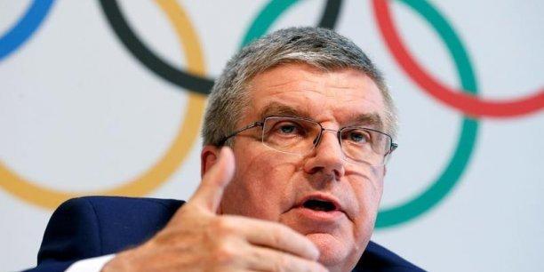 Thomas Bach, le président du CIO, envisage-t-il de modifier le calendrier d'attribution des Jeux olympiques et paralympiques d'été ? La question se pose après ses déclarations récentes.