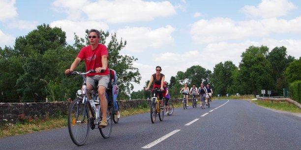 Le réseau de collectivités territoriales, présidé par Pierre Serne, ancien vice président du Stif, et qui rassemble à ce jour plus de 1.500 collectivités territoriales oeuvre depuis 1989 pour développer l'usage du vélo au quotidien, mais aussi les modes actifs et les politiques de mobilité et d'aménagement urbain durables.