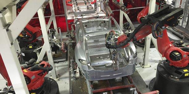 Des voitures Tesla en cours de fabrication à l'usine de Fremont, en Californie, le 25 juillet 2016.