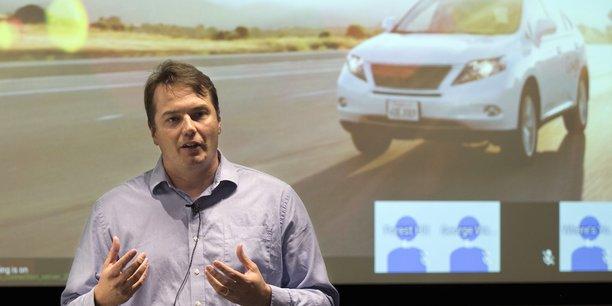 Après avoir dirigé nos voitures à travers l'équivalent de 150 ans de conduite humaine et avoir aidé notre projet à faire la transition entre la recherche pure et le développement d'un produit que nous espérons voir quelqu'un pouvoir utiliser un jour, je suis prêt pour un nouveau défi, indique Chris Urmson.