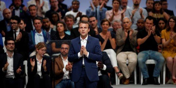 Politiquement encore assez isolé, Emmanuel Macron dispose de relais dans la société civile