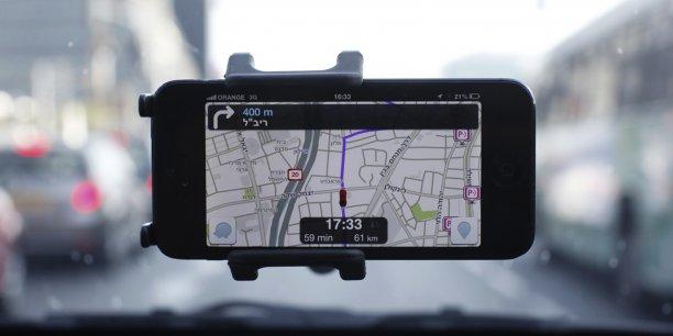 Le projet doit permettre d'apporter une aide à la navigation aux véhicules des secours, afin que ces derniers puissent utiliser l'algorithme et la base de données de Waze et trouver l'itinéraire le plus rapide pour se rendre sur le lieu d'une intervention.
